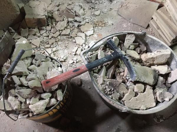 Rekonštrukcia a búranie, starý komín