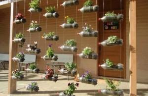 Záhrada a využitie zrecyklovaných plastových fliaš