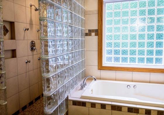 Sklenené steny, kúpeľňa, sklobetón