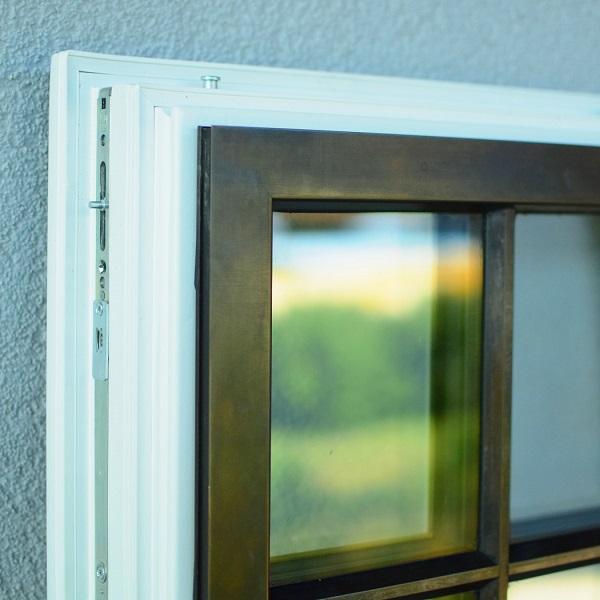 Makrowin-okno-bronz-roh