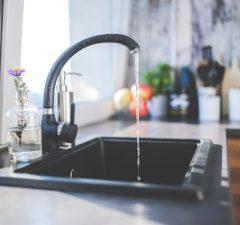 Kuchyňa a umývadlo