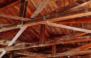 Trámovisko krov pod strechou