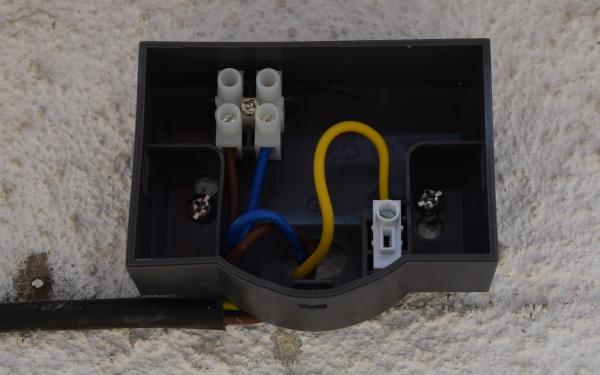 Zapojenie svetla, káble N L a PE