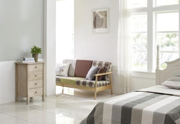 Lavička a interiér spálne
