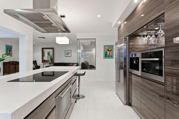 Kuchyňa a dlažba v nej