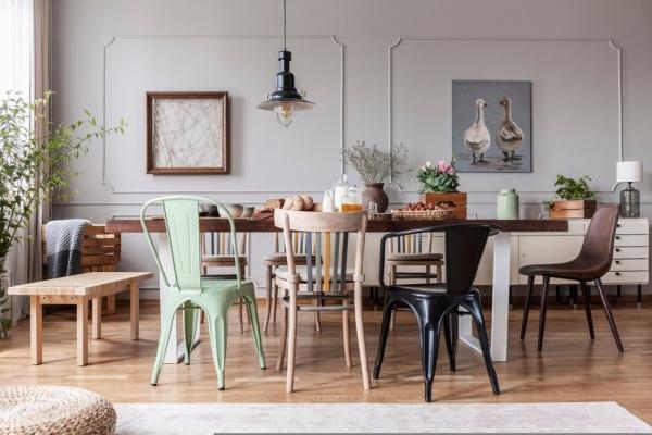 eklektický nábytok
